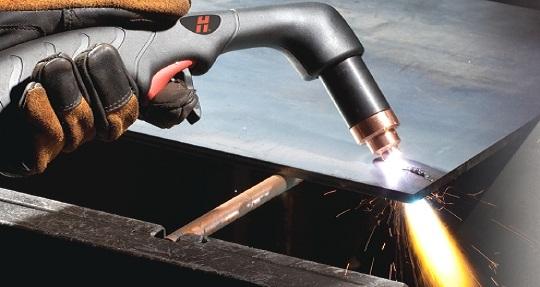 apparat-plazmennoj-rezki-s-vstroennym-kompressorom
